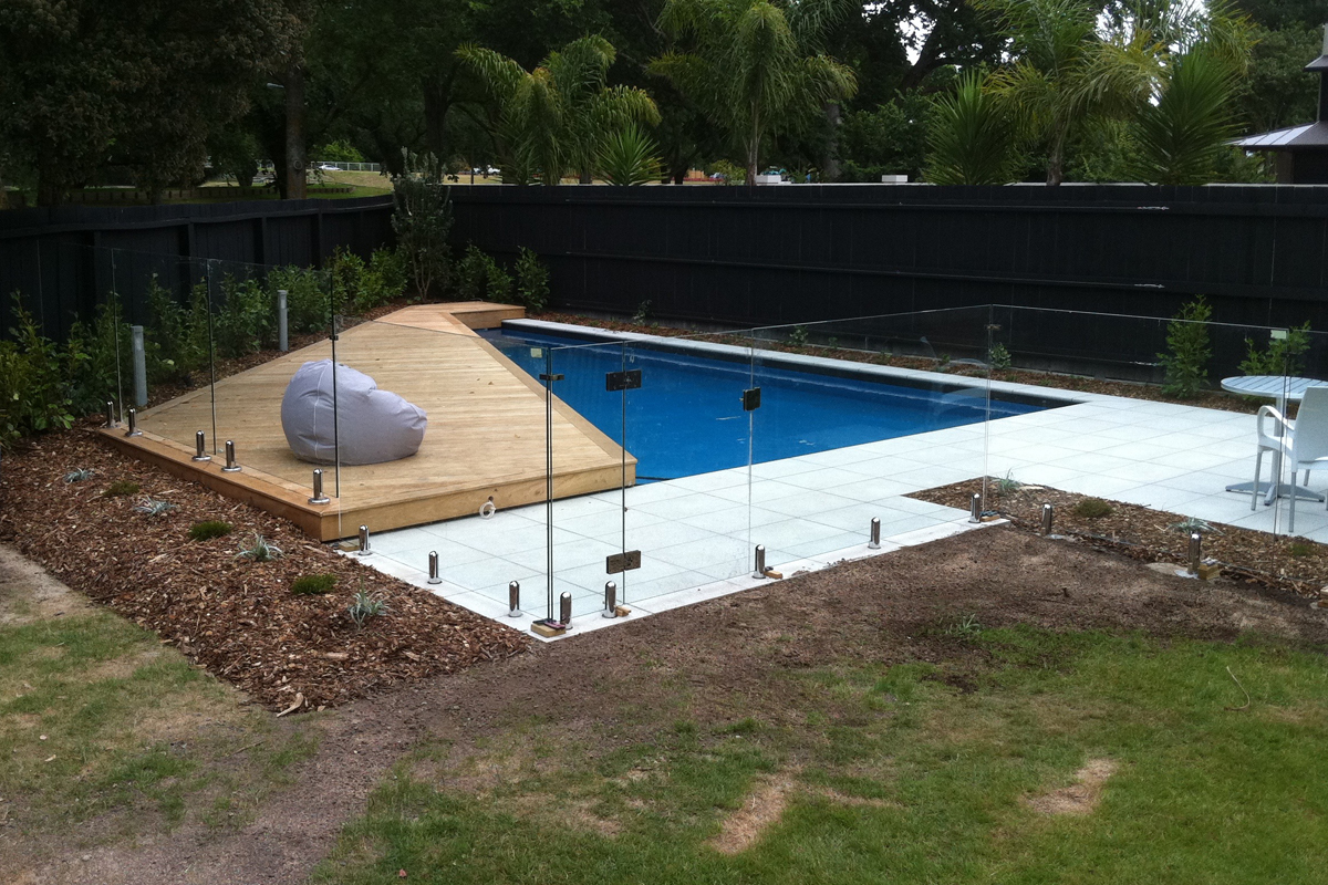 Total Landscape Solutions Construction Pool, paving & decking